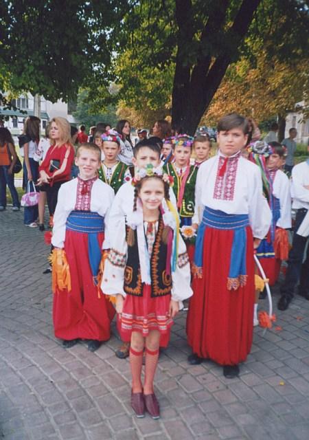 м.Сокаль, К.Косецька і танцювальний ансамбль