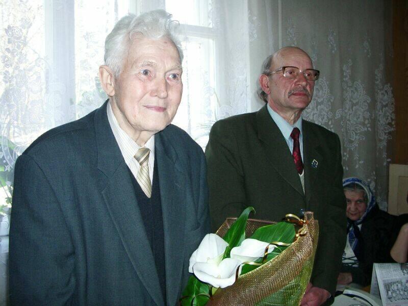 м.Сокаль,  ювіляр - поет Володимир СіркоВолодимир Сірко та Володимир Полянчук