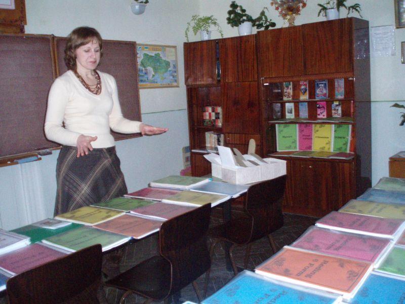м.Сокаль, освітаЯскраво представляють власні напрацювання учителі англійської мови А.М. Матвійчук