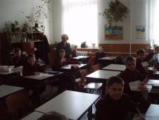 освітаНа фото ви бачите фрагмент уроку математики у 1-А класі, вчитель О.В.Галета