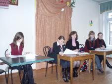 У складі виборчого комітету учні 5-Б класу та педагог-організатор Венгрин Х.Т.