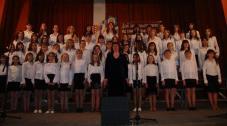 «Боже Великий єдиний» (муз.М.Лисенка, сл.О.Кониського) у виконанні хору учнів старших класів.