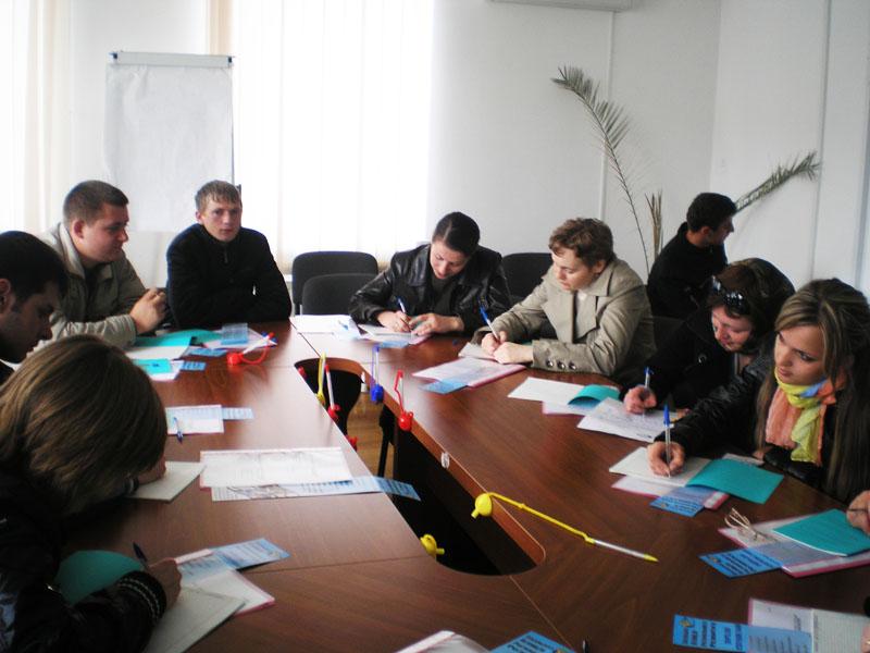 м.Сокаль, Сокальська Агенція регіонального розвиткутренінг «Психологічні аспекти працевлаштування».
