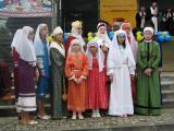 День міста - 2008. Сокаль. ФоторепортажСокальські гімназисти в українському одязі X-XVIII ст.