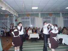 Лютий 2009 року.Вечір зустрічі випускників розпочався шкільним вальсом