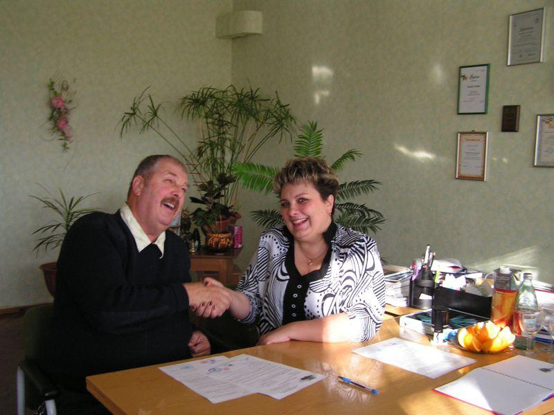 м.Сокаль, Аад Хармсен з дирекцією школи №4Наталія Драган та Аад Хармсен